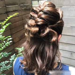 フェミニン お出かけヘア デート ミディアム ヘアスタイルや髪型の写真・画像