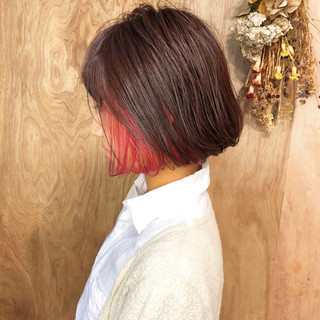 インナーカラー ピンク ボブ ガーリー ヘアスタイルや髪型の写真・画像