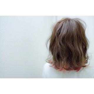 ニュアンス ミディアム ピンク ブリーチ ヘアスタイルや髪型の写真・画像