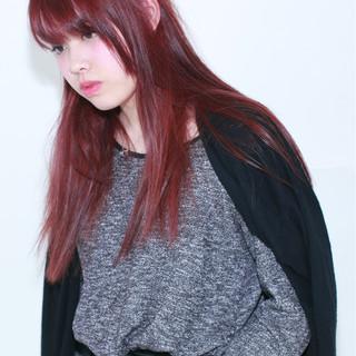 外国人風 ピンク ナチュラル レッド ヘアスタイルや髪型の写真・画像