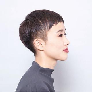 ショート 刈り上げ モード 個性的 ヘアスタイルや髪型の写真・画像