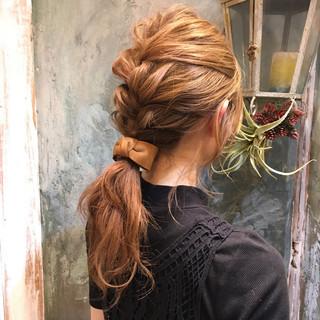 ミディアム ゆるふわ 簡単ヘアアレンジ パーマ ヘアスタイルや髪型の写真・画像