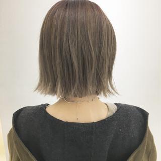 冬 外ハネ 透明感 切りっぱなし ヘアスタイルや髪型の写真・画像