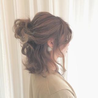ボブ ヘアアレンジ 波ウェーブ ストリート ヘアスタイルや髪型の写真・画像 ヘアスタイルや髪型の写真・画像
