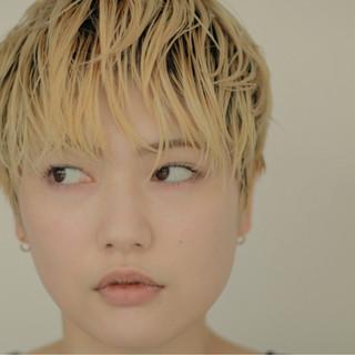 ウェットヘア 外国人風カラー 金髪 外国人風 ヘアスタイルや髪型の写真・画像