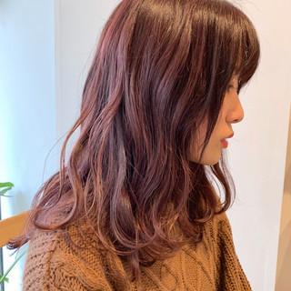 ガーリー ハイライト ピンクアッシュ ピンクブラウン ヘアスタイルや髪型の写真・画像