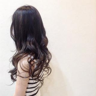 暗髪 バレイヤージュ 派手髪 暗髪女子 ヘアスタイルや髪型の写真・画像