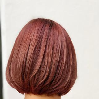 ピンクベージュ ピンクブラウン ミニボブ フェミニン ヘアスタイルや髪型の写真・画像