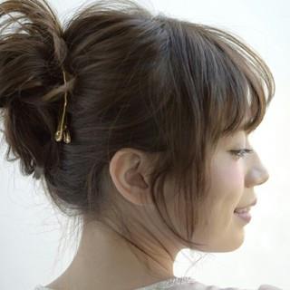簡単ヘアアレンジ ヘアアレンジ ショート セミロング ヘアスタイルや髪型の写真・画像 ヘアスタイルや髪型の写真・画像