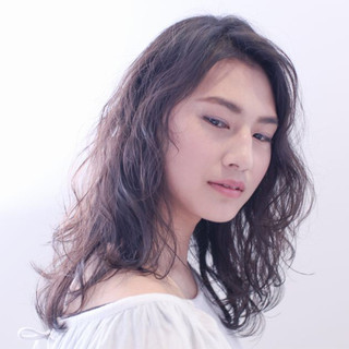 セミロング ピュア パーマ ナチュラル ヘアスタイルや髪型の写真・画像 ヘアスタイルや髪型の写真・画像