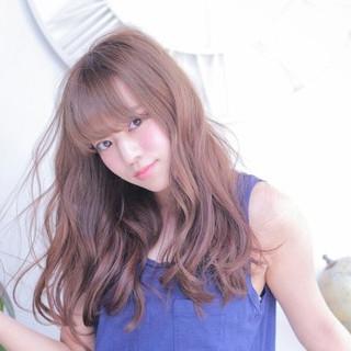 シースルーバング ウェーブ フェミニン ロング ヘアスタイルや髪型の写真・画像