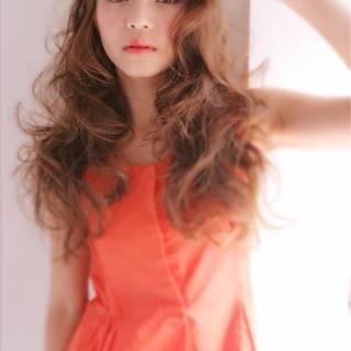 大人かわいい 秋 ロング ゆるふわ ヘアスタイルや髪型の写真・画像