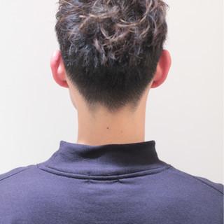 メンズ パーマ 刈り上げ ショート ヘアスタイルや髪型の写真・画像