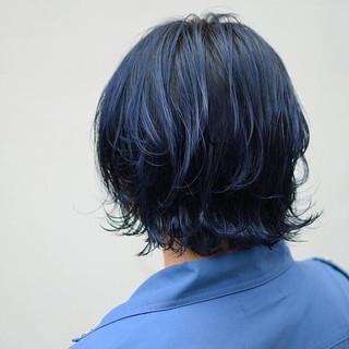ダブルカラー ボブ ストリート ネイビーカラー ヘアスタイルや髪型の写真・画像