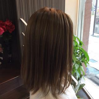 ナチュラル ミディアム オリーブアッシュ 髪質改善トリートメント ヘアスタイルや髪型の写真・画像