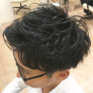 ツーブロック 束感 アップバング ストリート ヘアスタイルや髪型の写真・画像