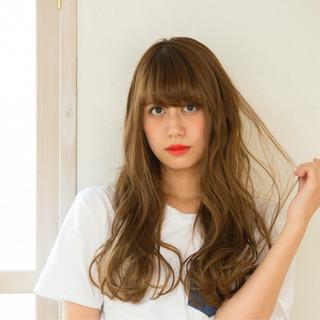 ロング フェミニン ハイライト アッシュ ヘアスタイルや髪型の写真・画像