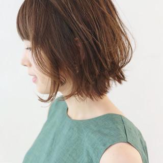 ニュアンスパーマ パーマ デート グレージュ ヘアスタイルや髪型の写真・画像