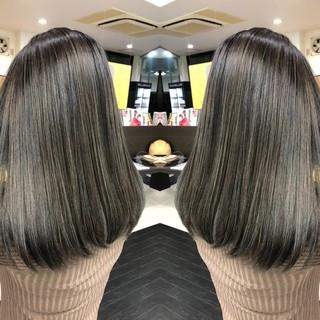 外国人風カラー ロング ミルクティーベージュ バックコーミング ヘアスタイルや髪型の写真・画像