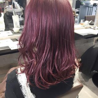 ナチュラル ベリーピンク レッド ピンクアッシュ ヘアスタイルや髪型の写真・画像