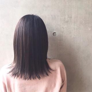 ミディアム 外ハネ ナチュラル イルミナカラー ヘアスタイルや髪型の写真・画像 ヘアスタイルや髪型の写真・画像