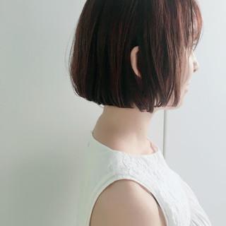 ナチュラル 切りっぱなし ストレート 透明感 ヘアスタイルや髪型の写真・画像