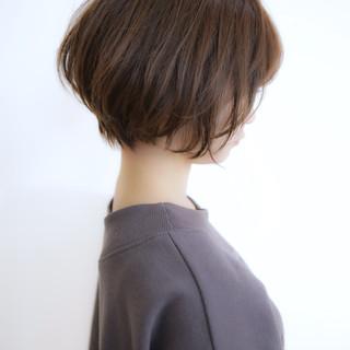 ショートボブ パーマ フェミニン モテボブ ヘアスタイルや髪型の写真・画像