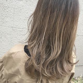 ブリーチ ガーリー セミロング 外国人風カラー ヘアスタイルや髪型の写真・画像