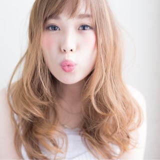 前髪あり セミロング ゆるふわ フェミニン ヘアスタイルや髪型の写真・画像