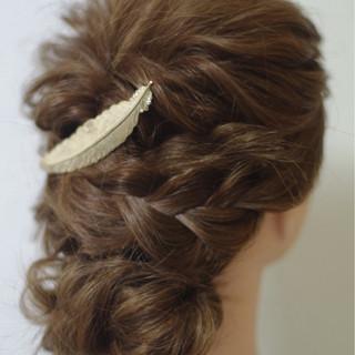 簡単ヘアアレンジ ヘアアレンジ セミロング フェミニン ヘアスタイルや髪型の写真・画像