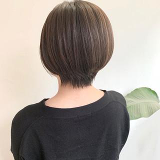 ショートボブ ハンサムショート ナチュラルベージュ ショート ヘアスタイルや髪型の写真・画像