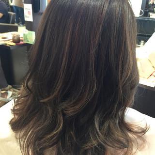 上品 アッシュグレー アッシュグレージュ ミディアム ヘアスタイルや髪型の写真・画像 ヘアスタイルや髪型の写真・画像