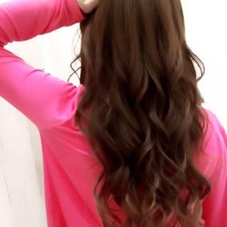 ゆるふわ ガーリー 巻き髪 暗髪 ヘアスタイルや髪型の写真・画像