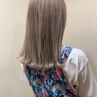 バレイヤージュ ミディアム 簡単ヘアアレンジ ブリーチカラー ヘアスタイルや髪型の写真・画像