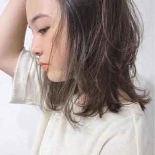 くせ毛風 ミディアム 秋 ガーリー ヘアスタイルや髪型の写真・画像
