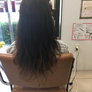 グラデーションカラー ナチュラル ロング アッシュグラデーション ヘアスタイルや髪型の写真・画像