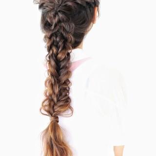 編み込み フェミニン フィッシュボーン ロング ヘアスタイルや髪型の写真・画像 ヘアスタイルや髪型の写真・画像