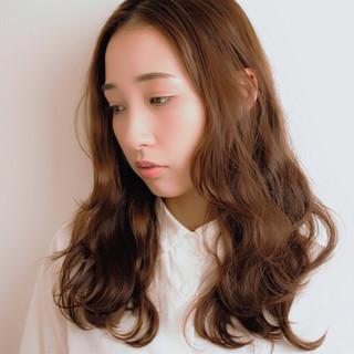 デジタルパーマ フェミニン ロング ウェーブ ヘアスタイルや髪型の写真・画像