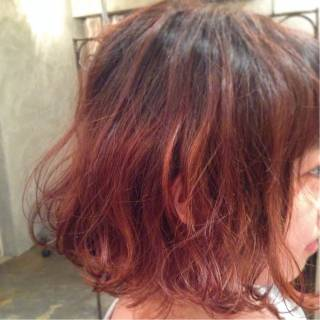 ナチュラル ストリート ピンク グラデーションカラー ヘアスタイルや髪型の写真・画像