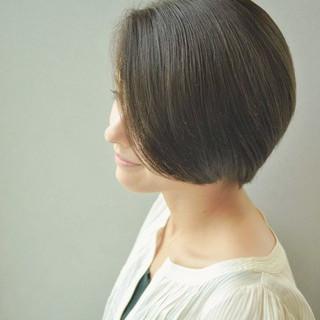 大人かわいい ミニボブ ナチュラル ショート ヘアスタイルや髪型の写真・画像