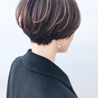 ハイライト ショートボブ ナチュラル ショート ヘアスタイルや髪型の写真・画像