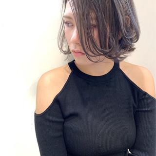 コンサバ バレイヤージュ ミニボブ ウルフカット ヘアスタイルや髪型の写真・画像