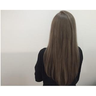 ロング ナチュラル 外国人風 グラデーションカラー ヘアスタイルや髪型の写真・画像