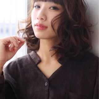 色気 フェミニン ミディアム ボブ ヘアスタイルや髪型の写真・画像
