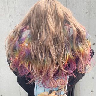 ベージュ ストリート 派手髪 ハイトーン ヘアスタイルや髪型の写真・画像