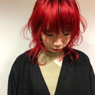 レッドカラー ネオウルフ ストリート ウルフカット ヘアスタイルや髪型の写真・画像