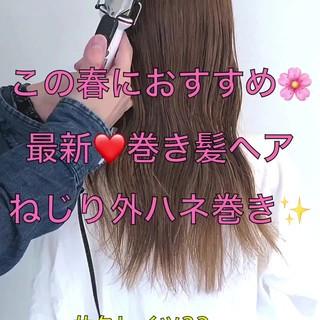 デート コテ巻き フェミニン アンニュイほつれヘア ヘアスタイルや髪型の写真・画像