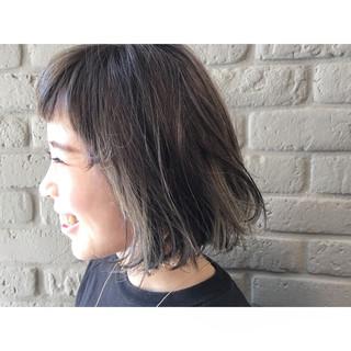ボブ アッシュ ストレート アッシュベージュ ヘアスタイルや髪型の写真・画像
