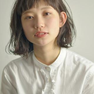 アンニュイ ラフ 抜け感 ナチュラル ヘアスタイルや髪型の写真・画像