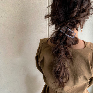 大人かわいい アンニュイほつれヘア 簡単ヘアアレンジ ナチュラル ヘアスタイルや髪型の写真・画像 ヘアスタイルや髪型の写真・画像